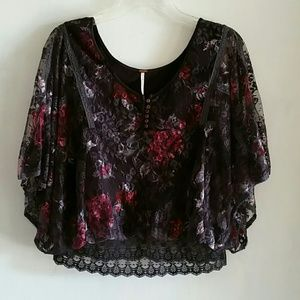 Free People  Floral Lace cropped Top Size S/P